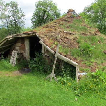 image of iron age hut